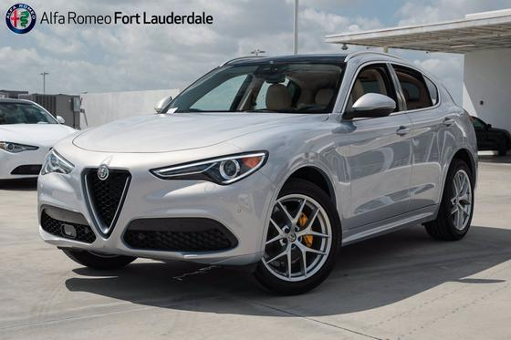 2021 Alfa Romeo Stelvio Ti:21 car images available