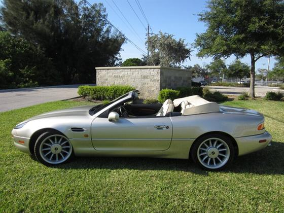 1998 Aston Martin DB7 Vantage Volante:24 car images available