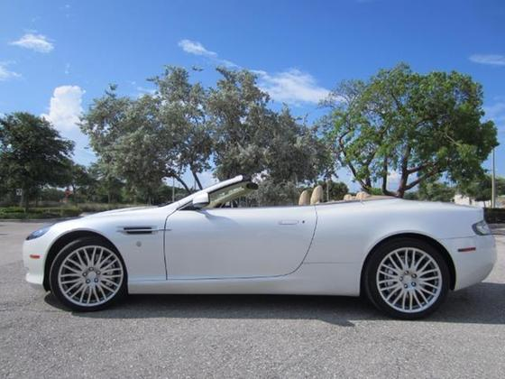 2009 Aston Martin DB9 Volante:23 car images available