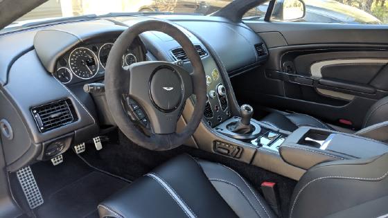 2017 Aston Martin V12 Vantage