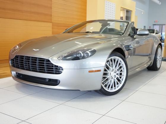 2010 Aston Martin V8 Vantage Roadster:24 car images available
