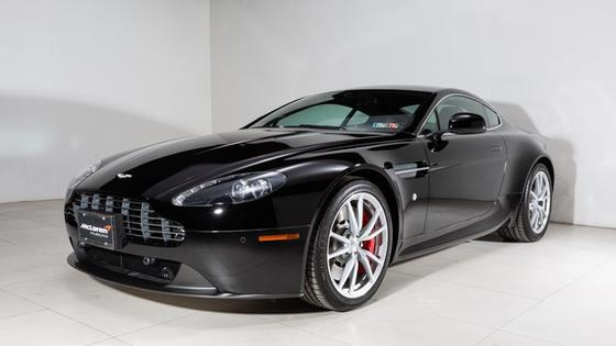 2015 Aston Martin V8 Vantage Roadster:22 car images available