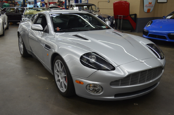 2004 Aston Martin Vanquish :12 car images available
