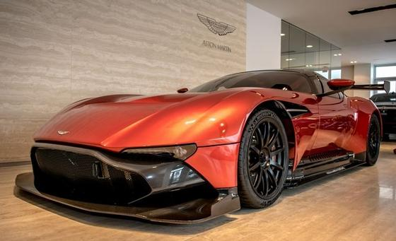2016 Aston Martin Vulcan :24 car images available