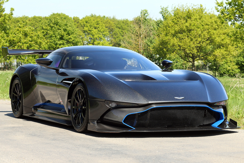2016 Aston Martin Vulcan :4 car images available