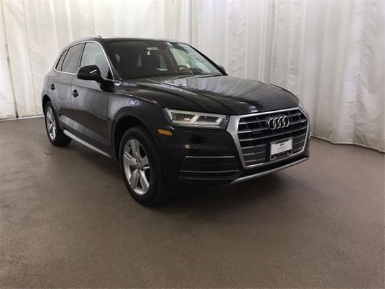 2019 Audi Q5 2.0T Premium Plus:24 car images available