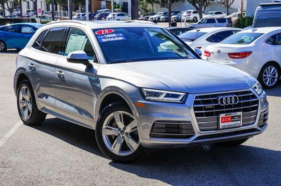 2018 Audi Q5 2.0T Premium Plus:24 car images available