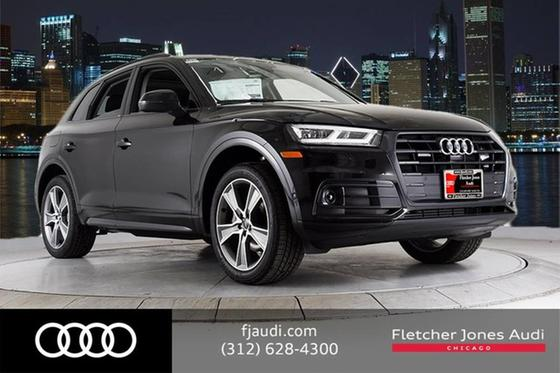 2019 Audi Q5 3.2 Prestige:24 car images available