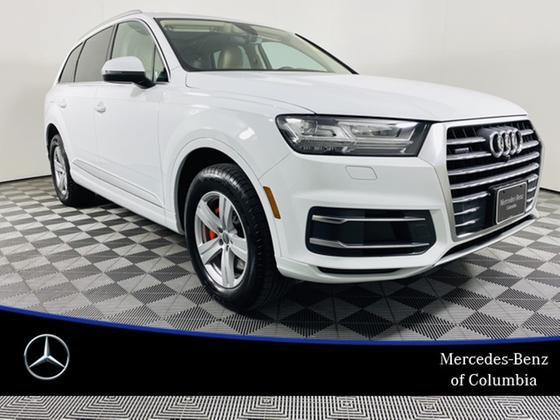 2019 Audi Q7 :24 car images available