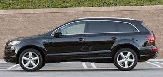 2011 Audi Q7 3.0T Premium Plus:2 car images available