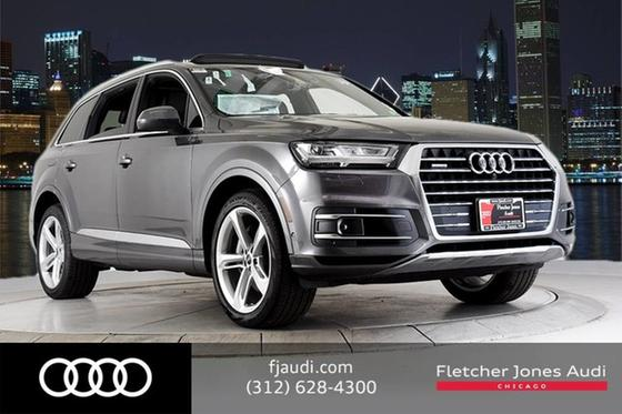2019 Audi Q7 Prestige:24 car images available