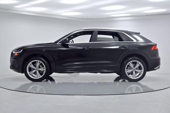 2019 Audi Q8 Premium