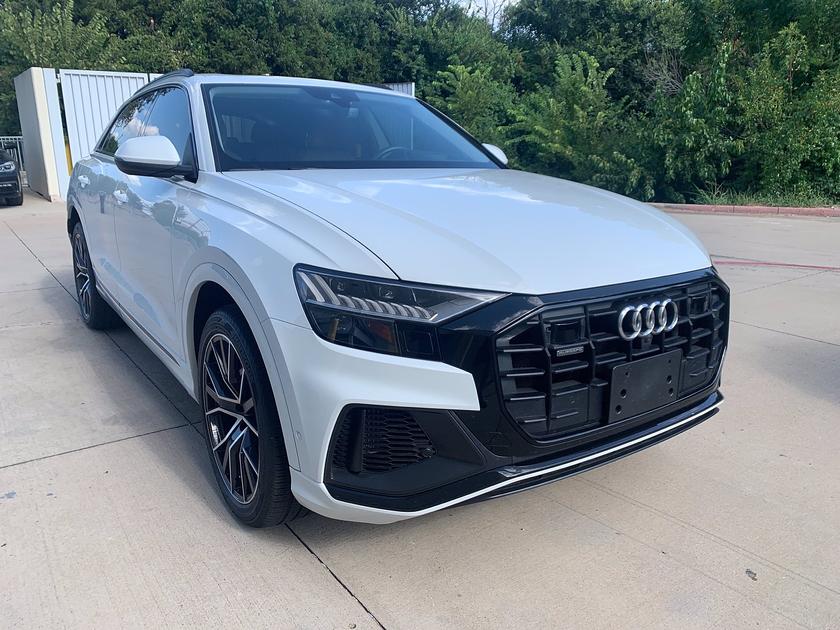 2019 Audi Q8 Prestige:14 car images available