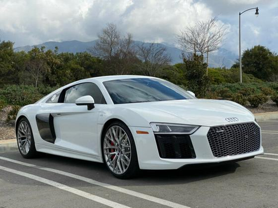 2017 Audi R8 4.2:17 car images available