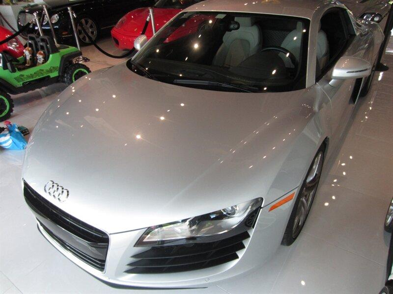 2012 Audi R8 4.2:14 car images available