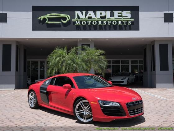 2011 Audi R8 5.2:22 car images available