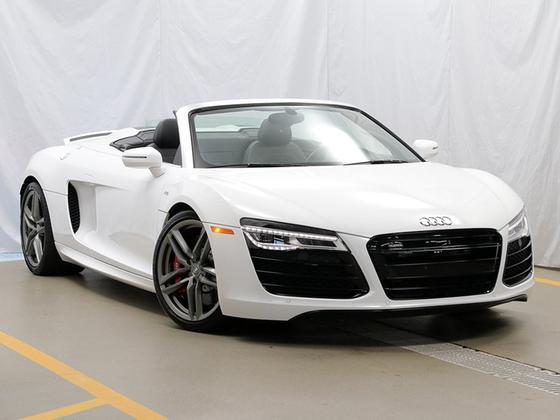 2015 Audi R8 5.2:24 car images available
