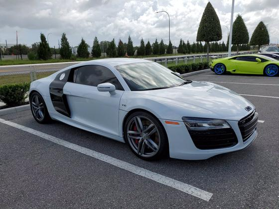 2014 Audi R8 5.2:2 car images available