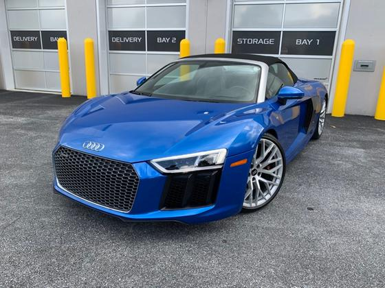2017 Audi R8 5.2:9 car images available