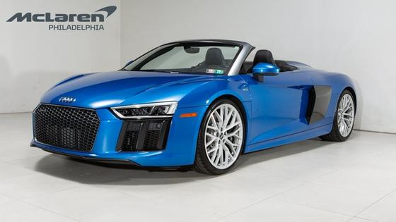 2017 Audi R8 5.2:21 car images available