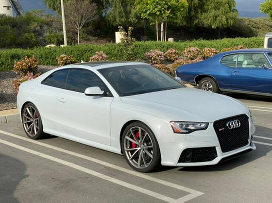 2015 Audi RS5 :24 car images available
