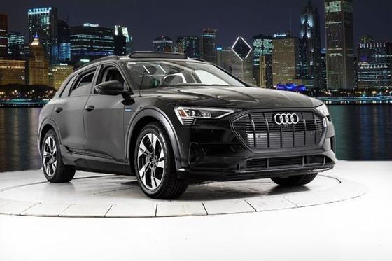 2021 Audi e-tron :24 car images available