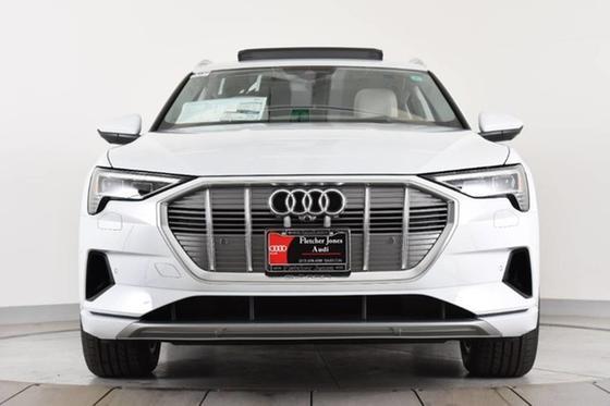 2019 Audi e-tron Premium Plus