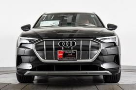 2021 Audi e-tron Premium Plus