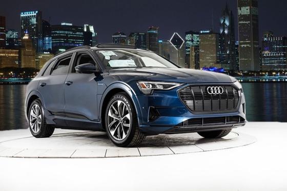 2021 Audi e-tron Premium Plus:24 car images available
