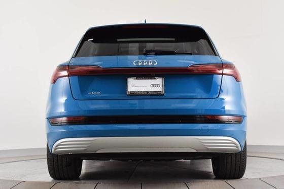 2019 Audi e-tron Prestige