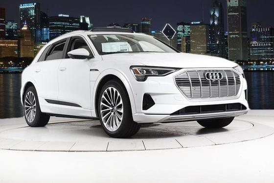 2019 Audi e-tron Prestige:24 car images available