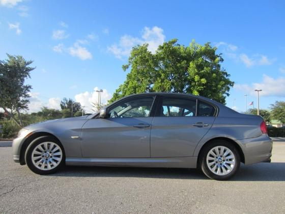 2009 BMW 328 i:17 car images available