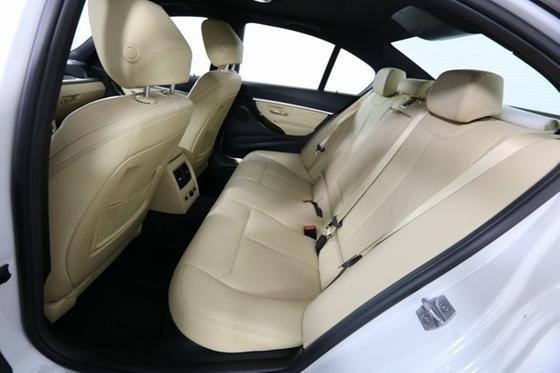 2017 BMW 330 e iPerformance