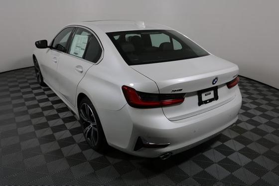 2019 BMW 330 i xDrive