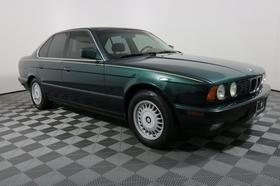 1992 BMW 525 i:24 car images available