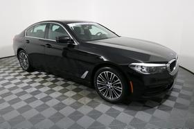 2019 BMW 530 i xDrive:14 car images available