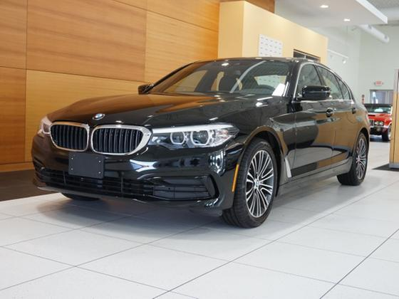 2019 BMW 530 i xDrive:24 car images available