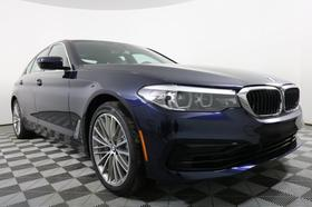 2020 BMW 530 i xDrive:24 car images available