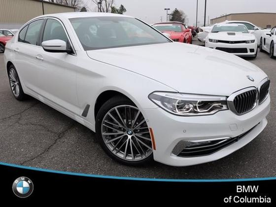 2017 BMW 530 i:24 car images available