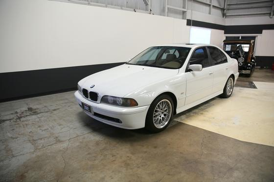 2002 BMW 530 i:9 car images available