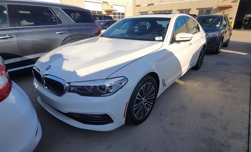 2018 BMW 530 i:5 car images available