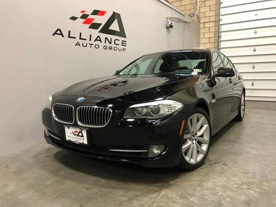 2011 BMW 535 i:24 car images available