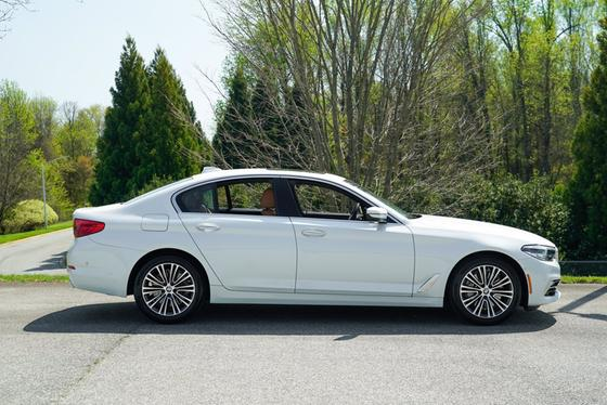 2018 BMW 540 i:24 car images available