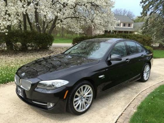 2011 BMW 550 i xDrive:5 car images available
