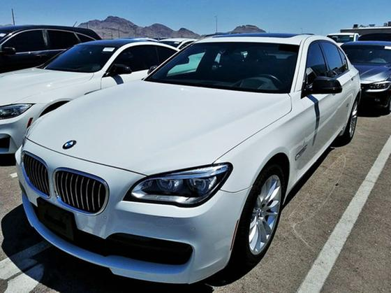2015 BMW 740 i xDrive:4 car images available