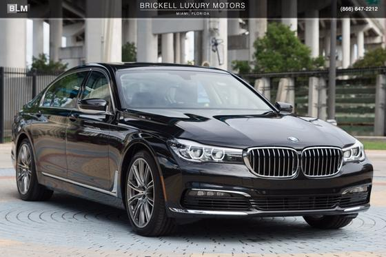 2017 BMW 740 i:24 car images available