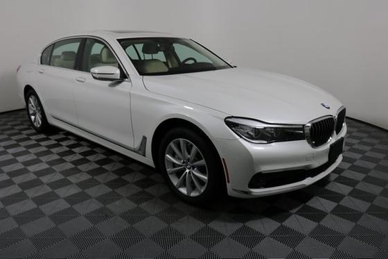 2019 BMW 740 i:24 car images available