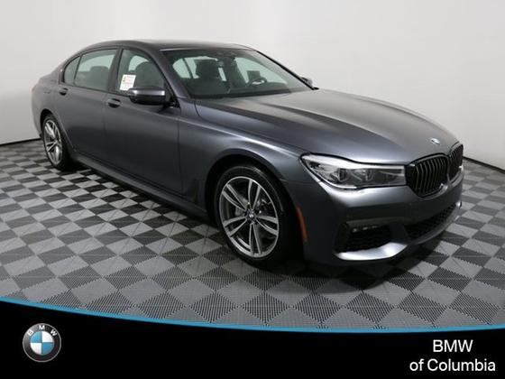2019 BMW 740 i:19 car images available