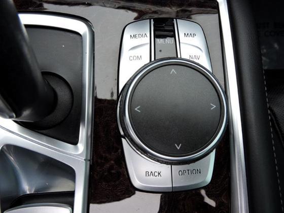 2016 BMW 740 i
