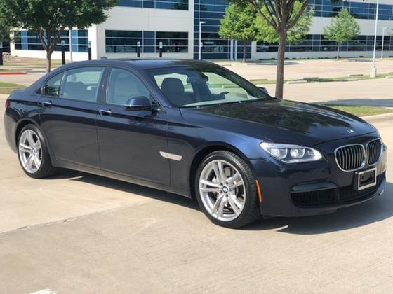 2013 BMW 750 i xDrive:8 car images available
